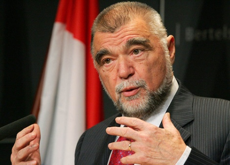 El Presidente de la República, Stjepan Mesić