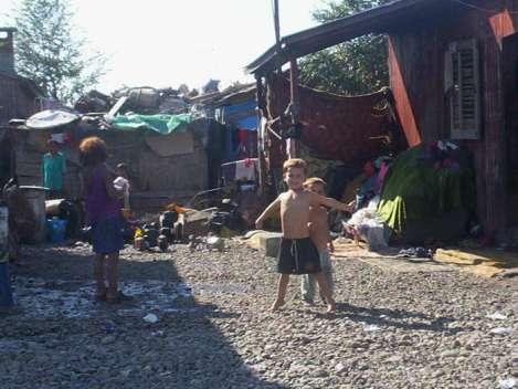 Niños en Konik (Montenegro)