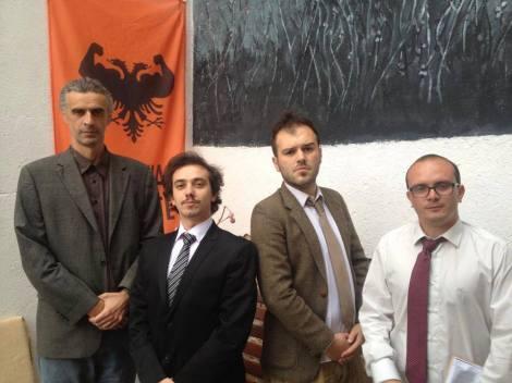 El Presidente Legendario y parte de la ejecutiva del Partido Fuerte de Kosovo